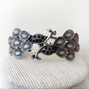 🎉5/20 SALE🎉 Peacock ginger cuff bracelet